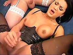 Hot cockloving tgirl jizzes in orgy